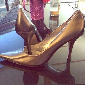 Metallic Nine West heels size 8 1/2